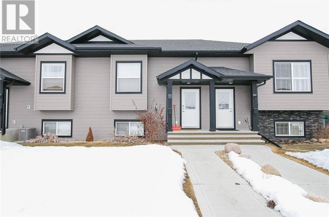 Townhouse for sale at 93 Crimson Ct Blackfalds Alberta - MLS: ca0184244
