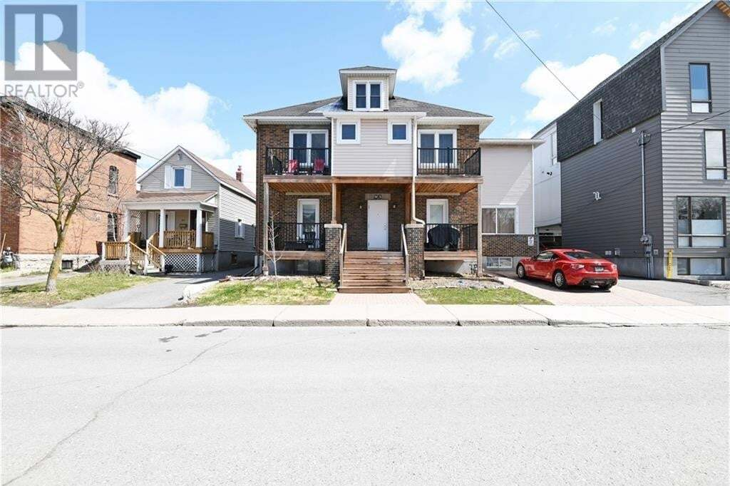 Townhouse for sale at 93 Lebreton St N Ottawa Ontario - MLS: 1195795