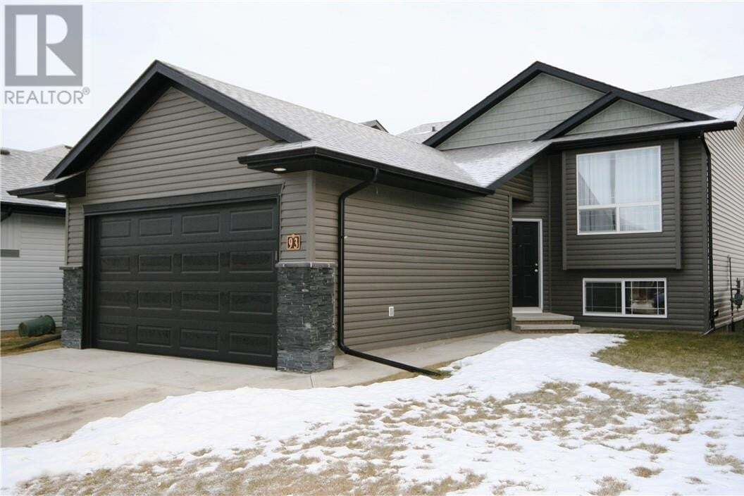 House for sale at 93 Mann Dr Penhold Alberta - MLS: CA0189672