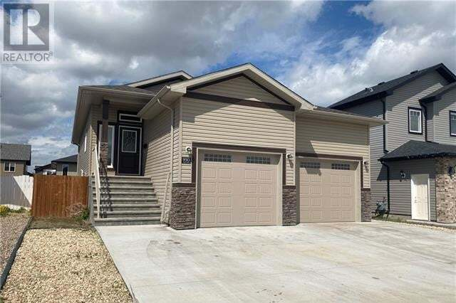 House for sale at 930 Manor Pl Southeast Redcliff Alberta - MLS: MH0193914