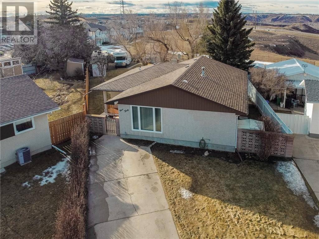 House for sale at 930 Ventura Cres N Lethbridge Alberta - MLS: ld0186542