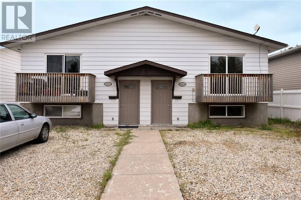 Townhouse for sale at 9305 106 Ave Grande Prairie Alberta - MLS: GP213869