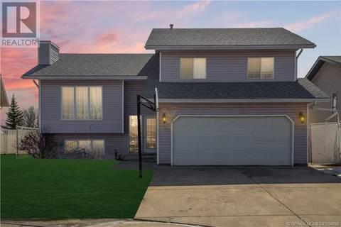 House for sale at 9305 69 Ave Grande Prairie Alberta - MLS: GP204698