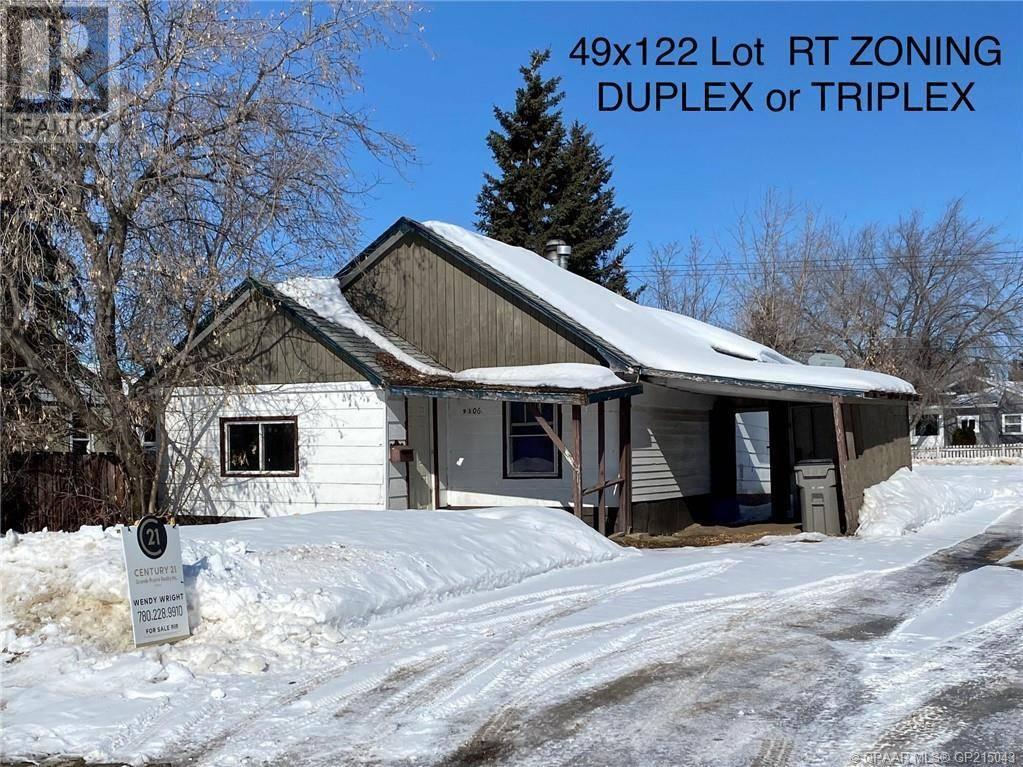 House for sale at 9306 104 Ave Grande Prairie Alberta - MLS: GP215043