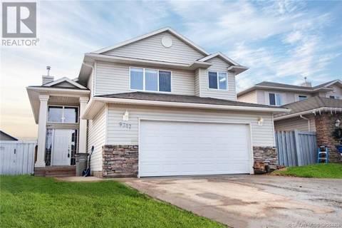 House for sale at 9317 129 Ave Grande Prairie Alberta - MLS: GP204404