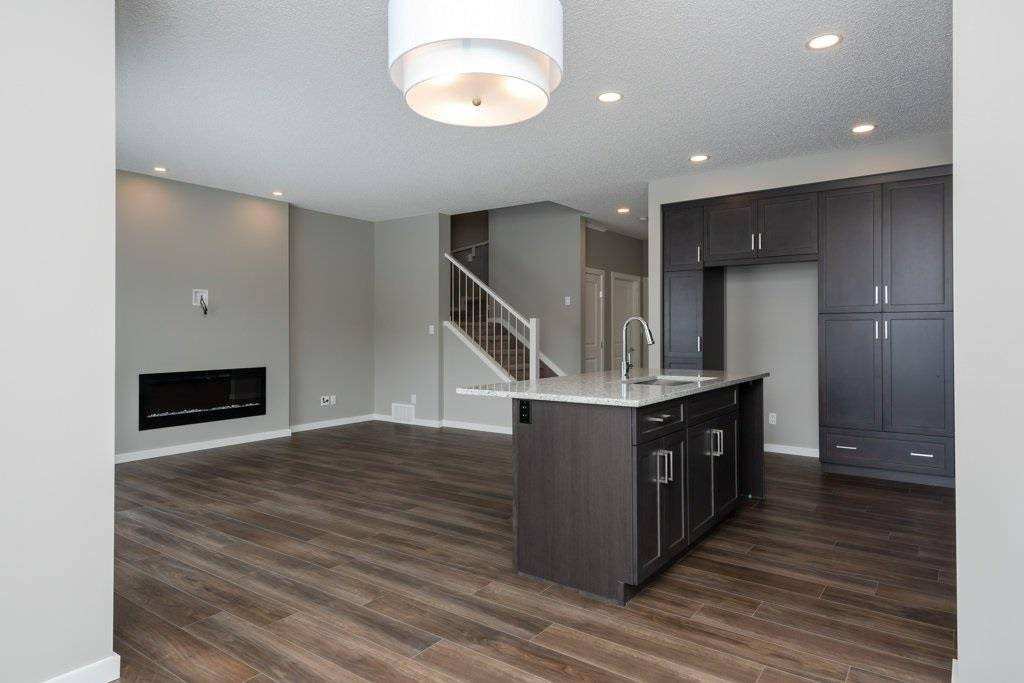 Townhouse for sale at 9318 Pear Li Sw Edmonton Alberta - MLS: E4191251