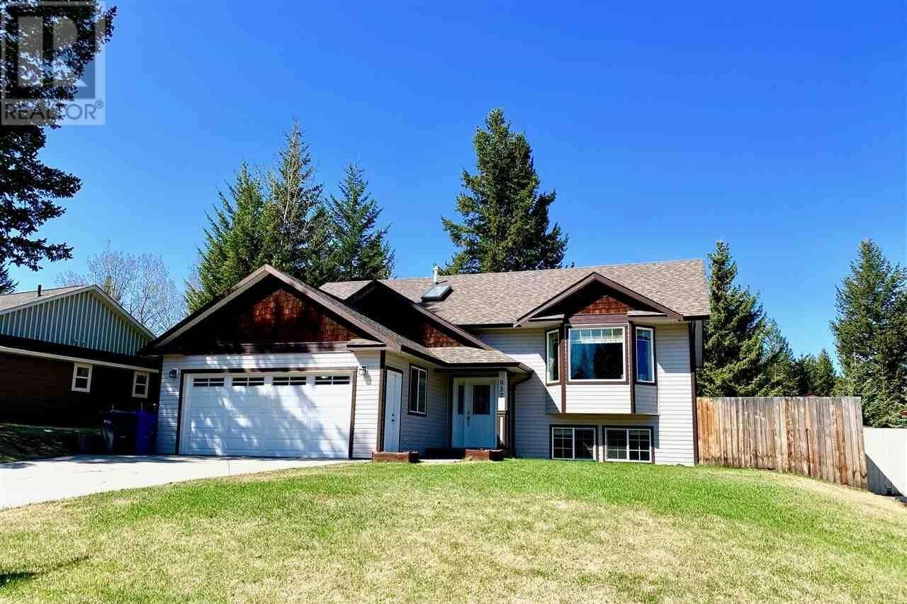 House for sale at 932 Fraser Ave 100 Mile House British Columbia - MLS: R2445046