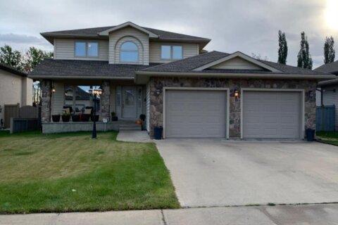 House for sale at 9321 Lakeshore Court  Grande Prairie Alberta - MLS: A1035805