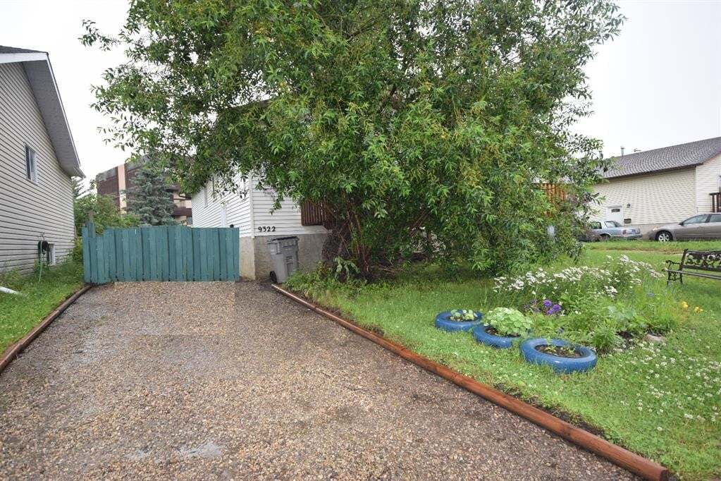 Townhouse for sale at 9322 74 Ave Grande Prairie Alberta - MLS: A1008888