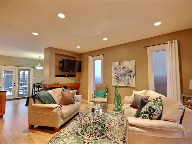 For Sale: 933 43 Street Southwest, Calgary, AB   3 Bed, 3 Bath Townhouse for $649,999. See 12 photos!