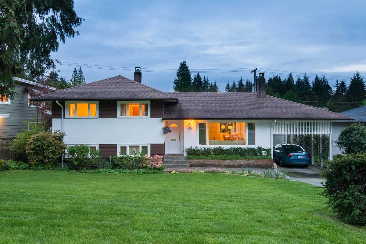 Removed: 933 Canyon Boulevard, North Vancouver, BC - Removed on 2018-12-16 05:15:06