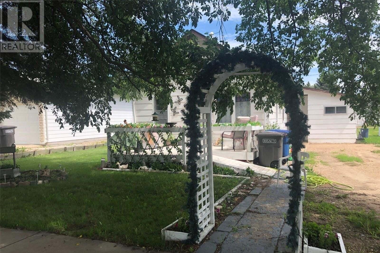 House for sale at 934 10th St Humboldt Saskatchewan - MLS: SK817183