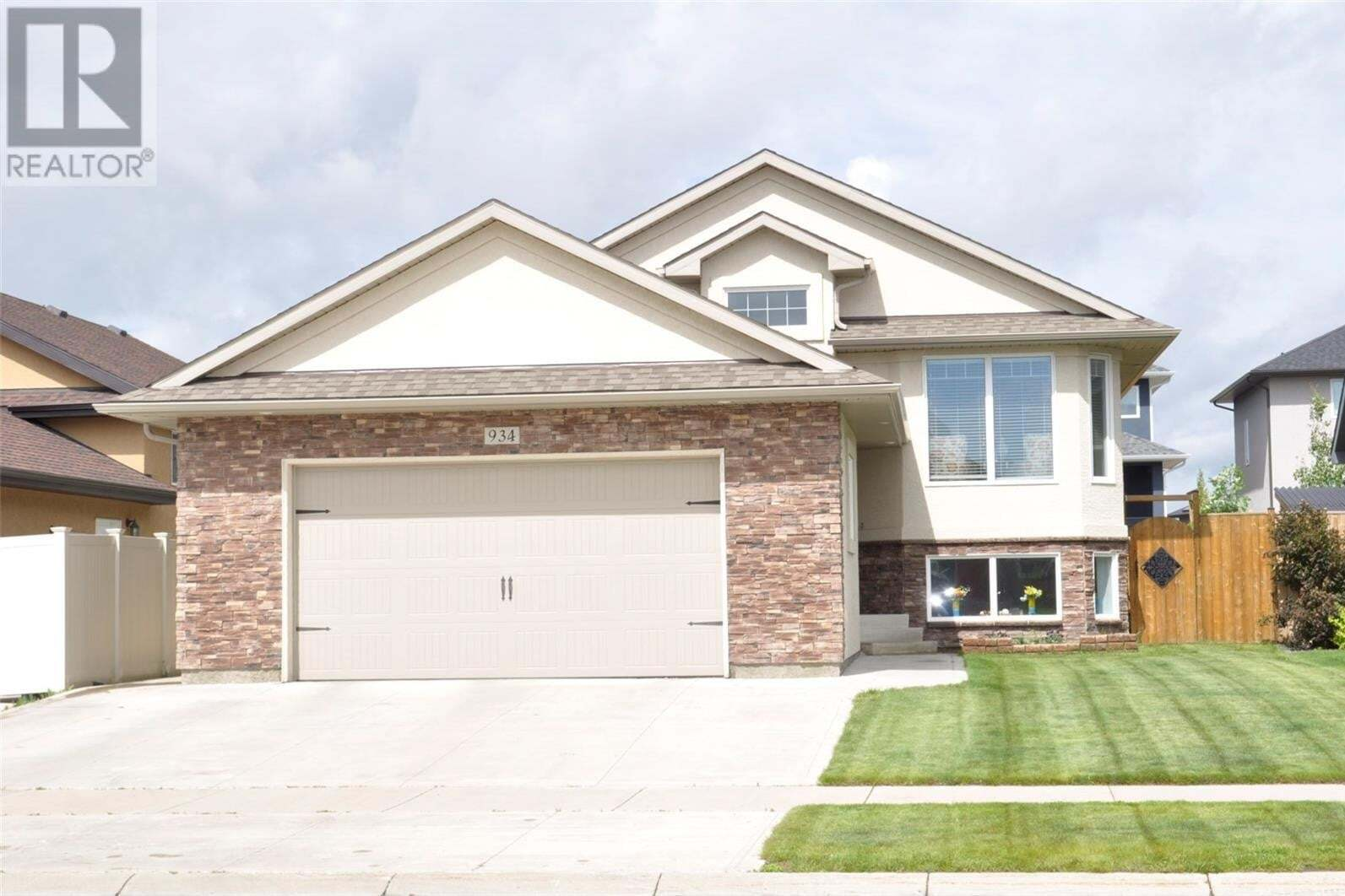 House for sale at 934 Hunter Rd Saskatoon Saskatchewan - MLS: SK815247