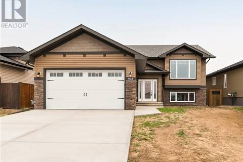House for sale at 935 Memorial Dr Se Redcliff Alberta - MLS: mh0168757