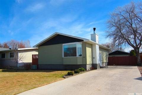 House for sale at 937 River St E Prince Albert Saskatchewan - MLS: SK796488