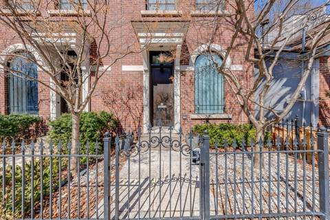 Townhouse for sale at 94 Belmont St Toronto Ontario - MLS: C4733497