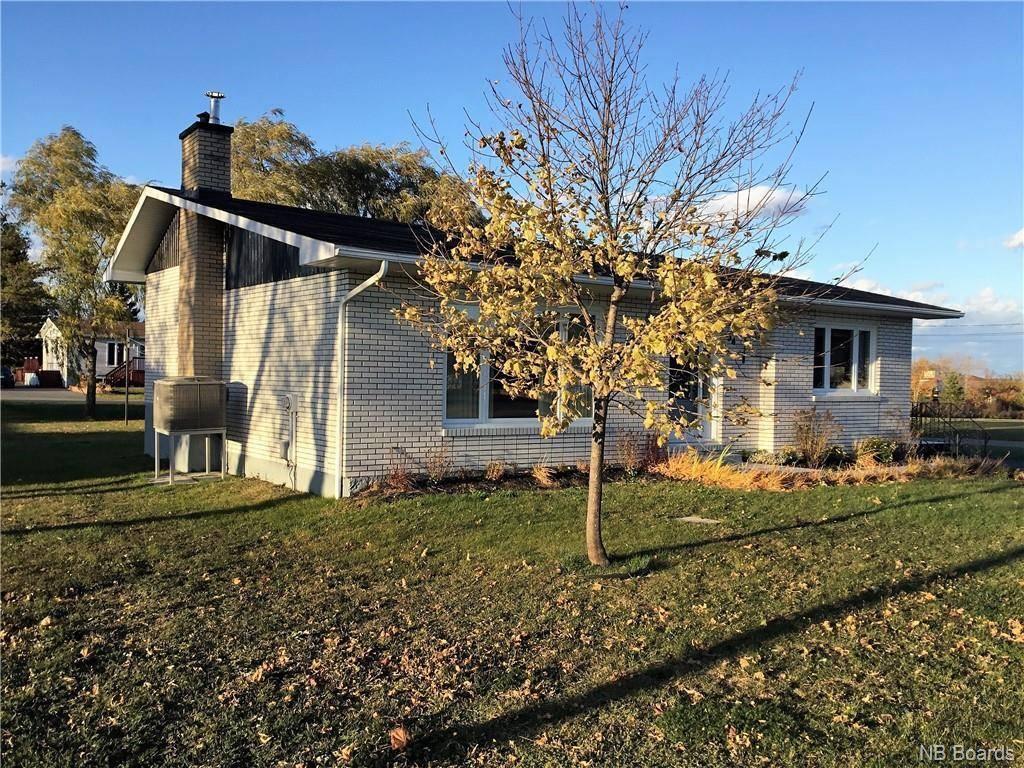 House for sale at 94 Champlain  Petit-rocher New Brunswick - MLS: NB040926