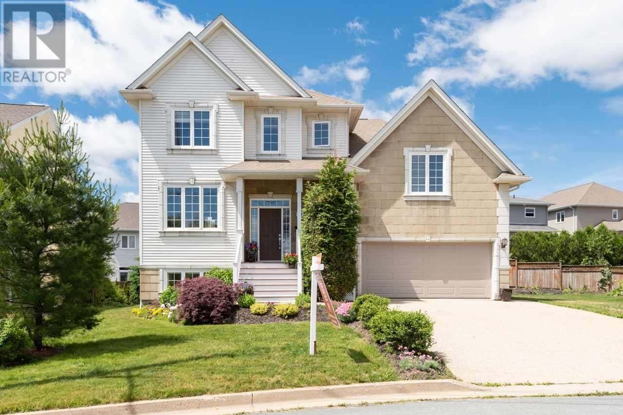 House for sale at 94 Drillio Cres Halifax Nova Scotia - MLS: 202012134