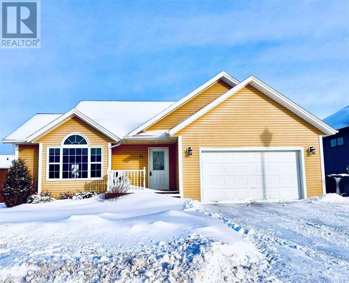 House for sale at 94 Essex Cres West Royalty Prince Edward Island - MLS: 202002769