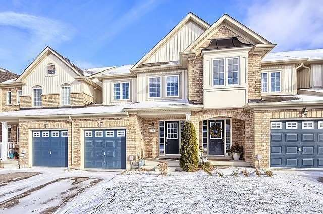 For Sale: 94 Hammil Heights, East Gwillimbury, ON   3 Bed, 3 Bath Townhouse for $1,700. See 19 photos!