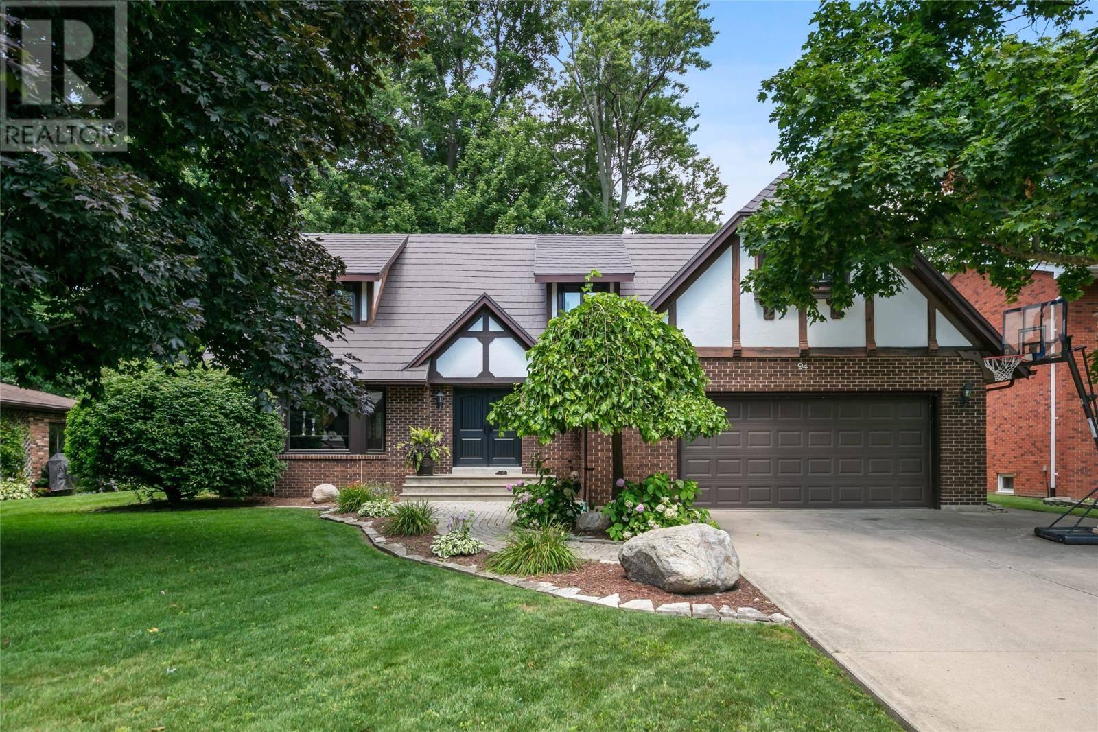 House for sale at 94 Kingswood  Kingsville Ontario - MLS: 19023001