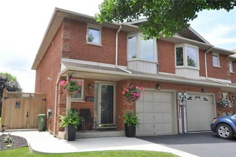 Townhouse for sale at 94 Royalvista Dr Hamilton Ontario - MLS: H4059192