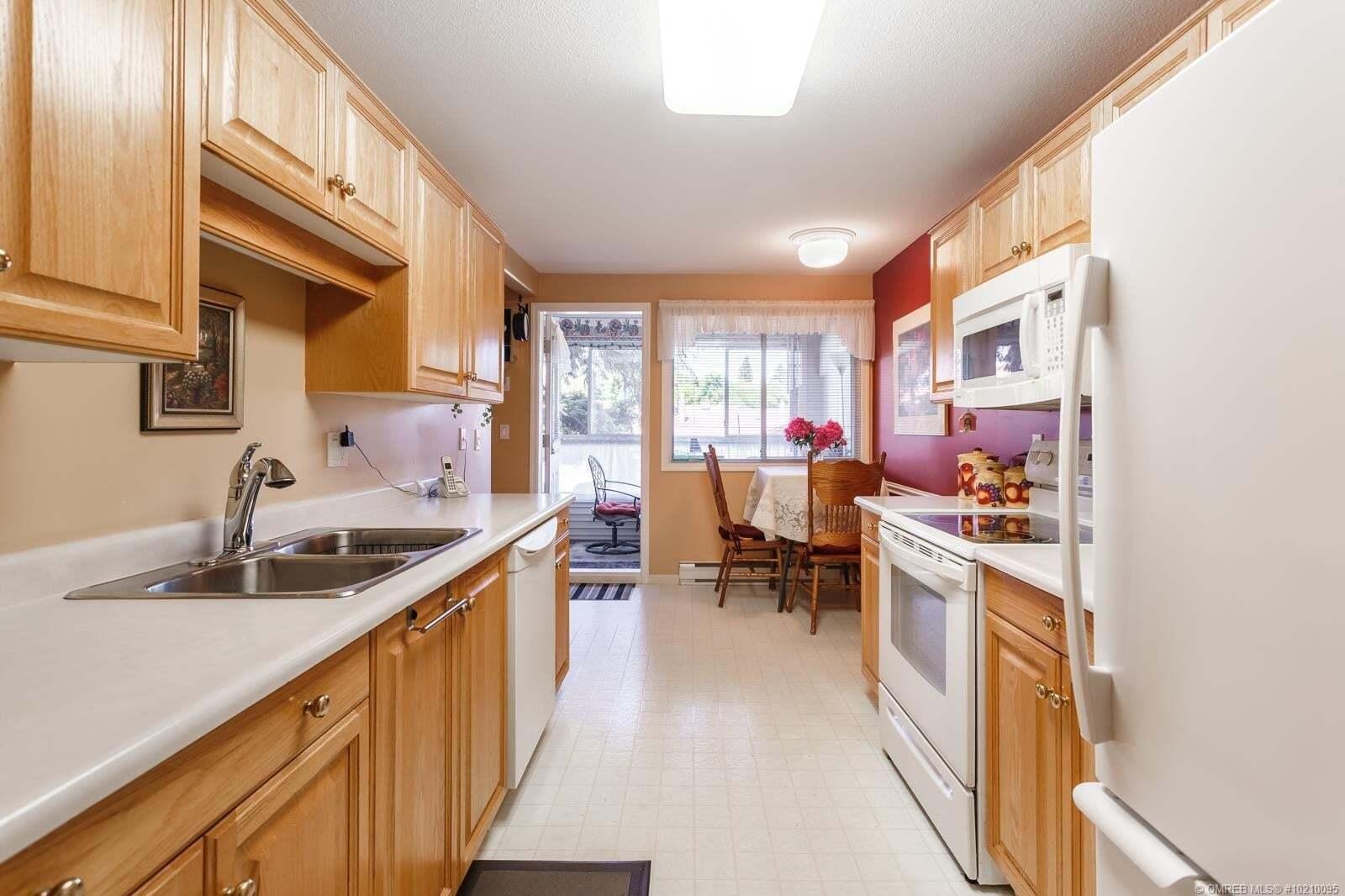 Condo for sale at 940 Glenwood Ave Kelowna British Columbia - MLS: 10210095