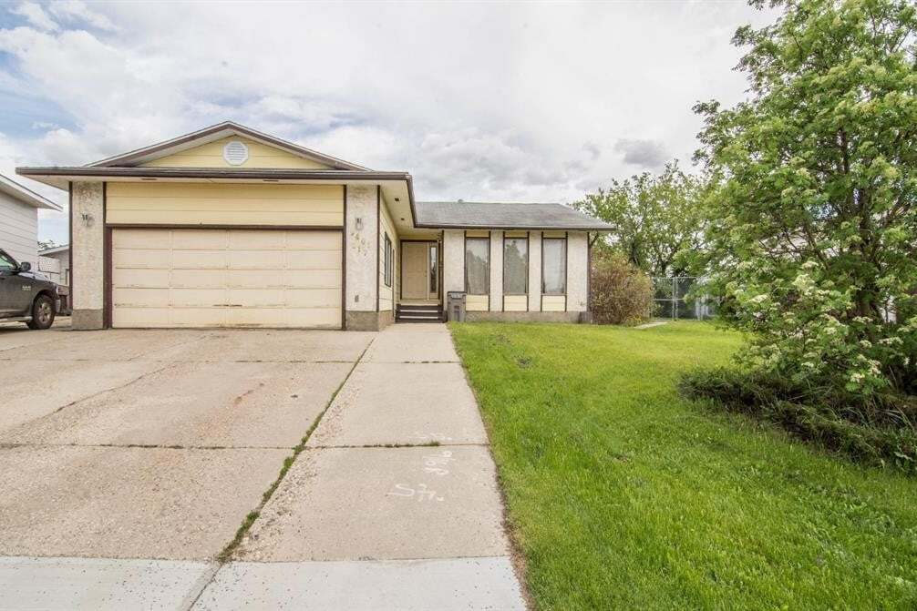 House for sale at 9401 117 Ave Grande Prairie Alberta - MLS: A1003080