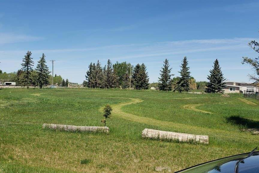 Home for sale at 94027 Highway 843  Rural Lethbridge County Alberta - MLS: LD0186283