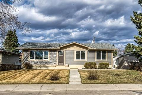 House for sale at 9403 Albany Pl Southeast Calgary Alberta - MLS: C4291842
