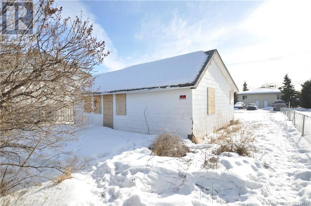 House for sale at 9405 101 Ave Grande Prairie Alberta - MLS: GP214617