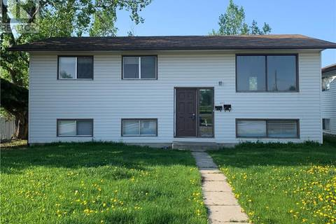 House for sale at 9415 104 Ave Grande Prairie Alberta - MLS: GP202338