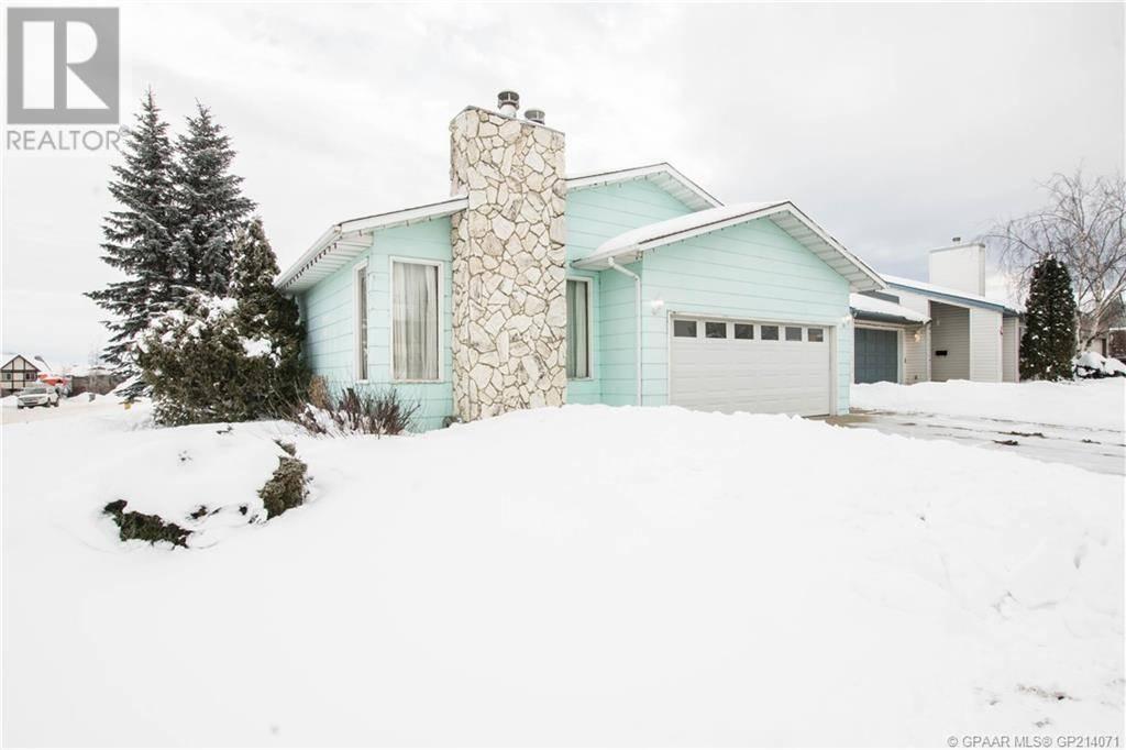 House for sale at 9415 122 Ave Grande Prairie Alberta - MLS: GP214071