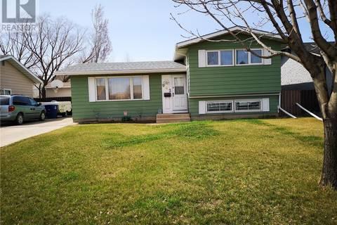 House for sale at 943 Steeves Ave Saskatoon Saskatchewan - MLS: SK767993