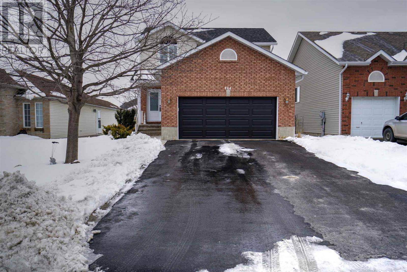 House for sale at 944 Ringstead St Kingston Ontario - MLS: K20000812
