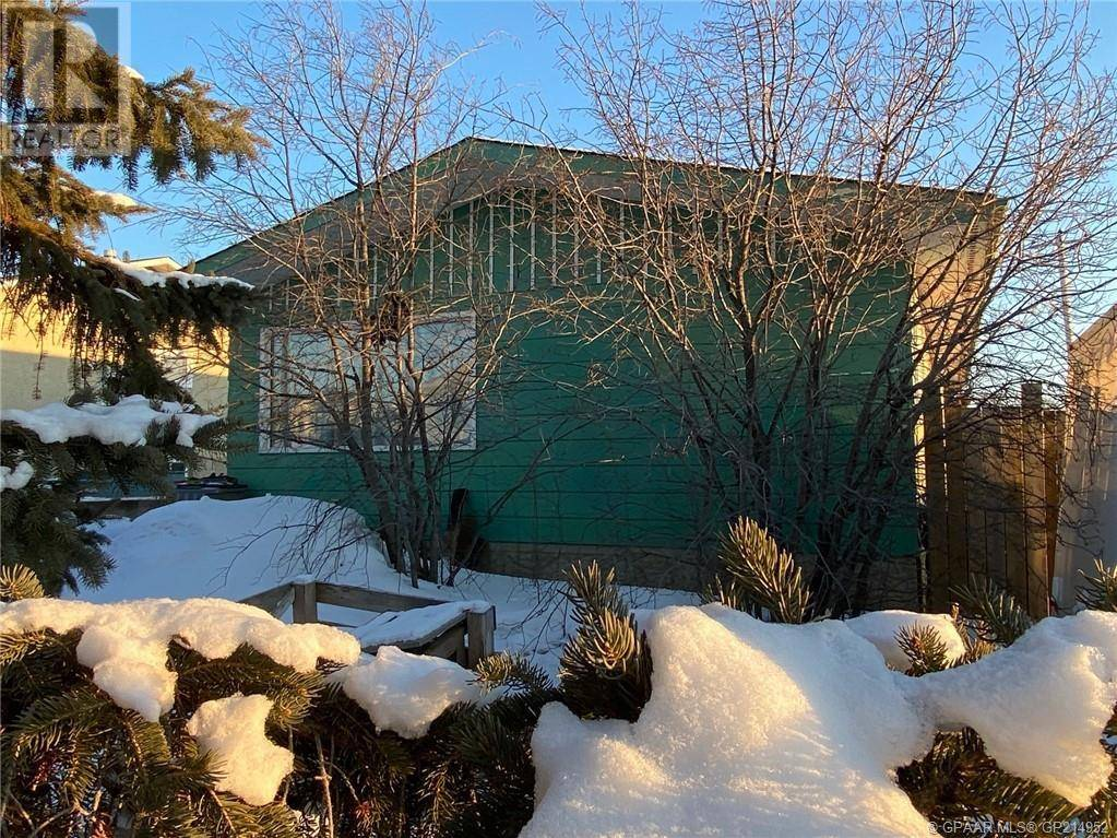 House for sale at 9449 113 Ave Grande Prairie Alberta - MLS: GP214952