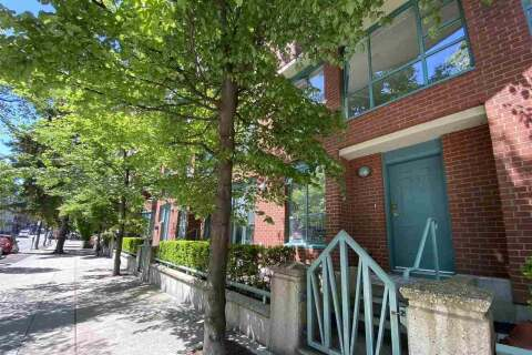 Condo for sale at 945 Homer St Vancouver British Columbia - MLS: R2455828