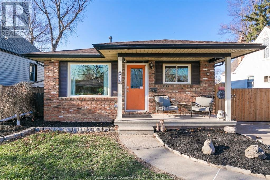 House for sale at 945 St. Marys Blvd Windsor Ontario - MLS: 20015670