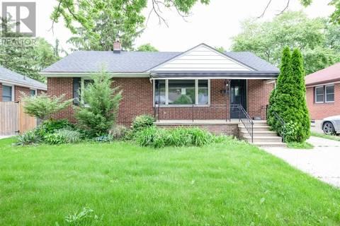 House for sale at 946 Belleperche Pl Windsor Ontario - MLS: 19019950