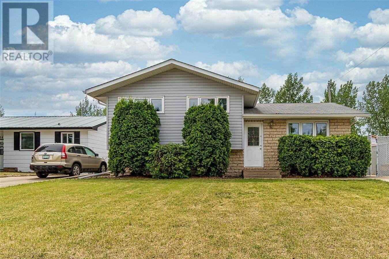 House for sale at 947 Hawthorne Cres Moose Jaw Saskatchewan - MLS: SK812926