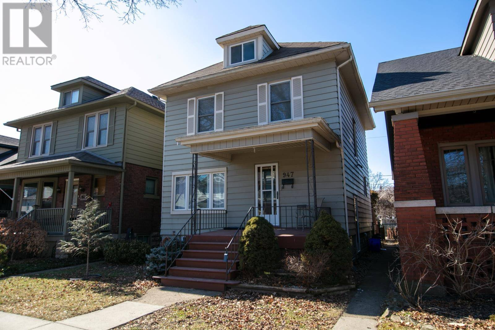House for sale at 947 Windermere  Windsor Ontario - MLS: 20002277