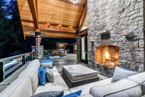 House for sale at 949 Arbutus Bay Ln Bowen Island British Columbia - MLS: R2499676
