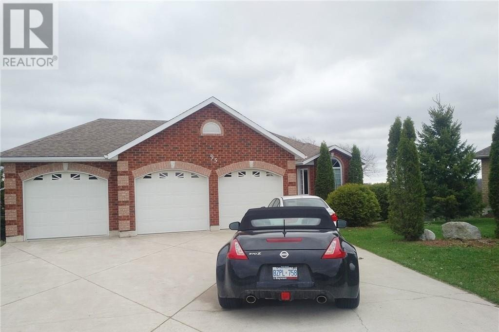 House for sale at 95 13th Ave Hanover Ontario - MLS: 40022840