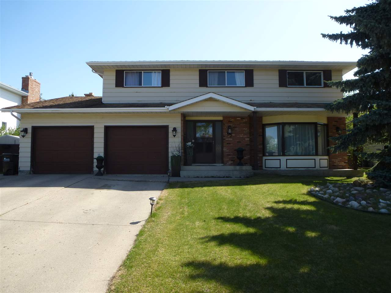 For Sale: 95 Beauvista Drive, Sherwood Park, AB | 4 Bed, 2 Bath House for $525,000. See 22 photos!