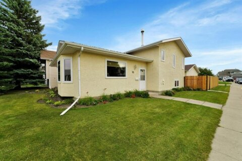 House for sale at 95 Castle Crescent  Red Deer Alberta - MLS: A1030727