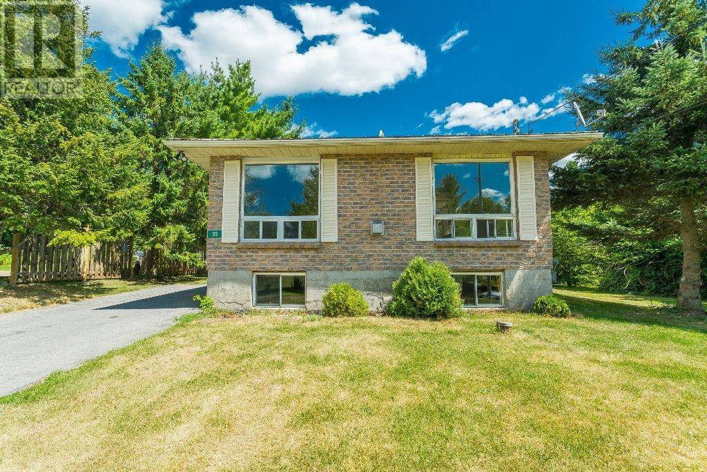 House for sale at 95 Front St Newburgh Ontario - MLS: K19005494