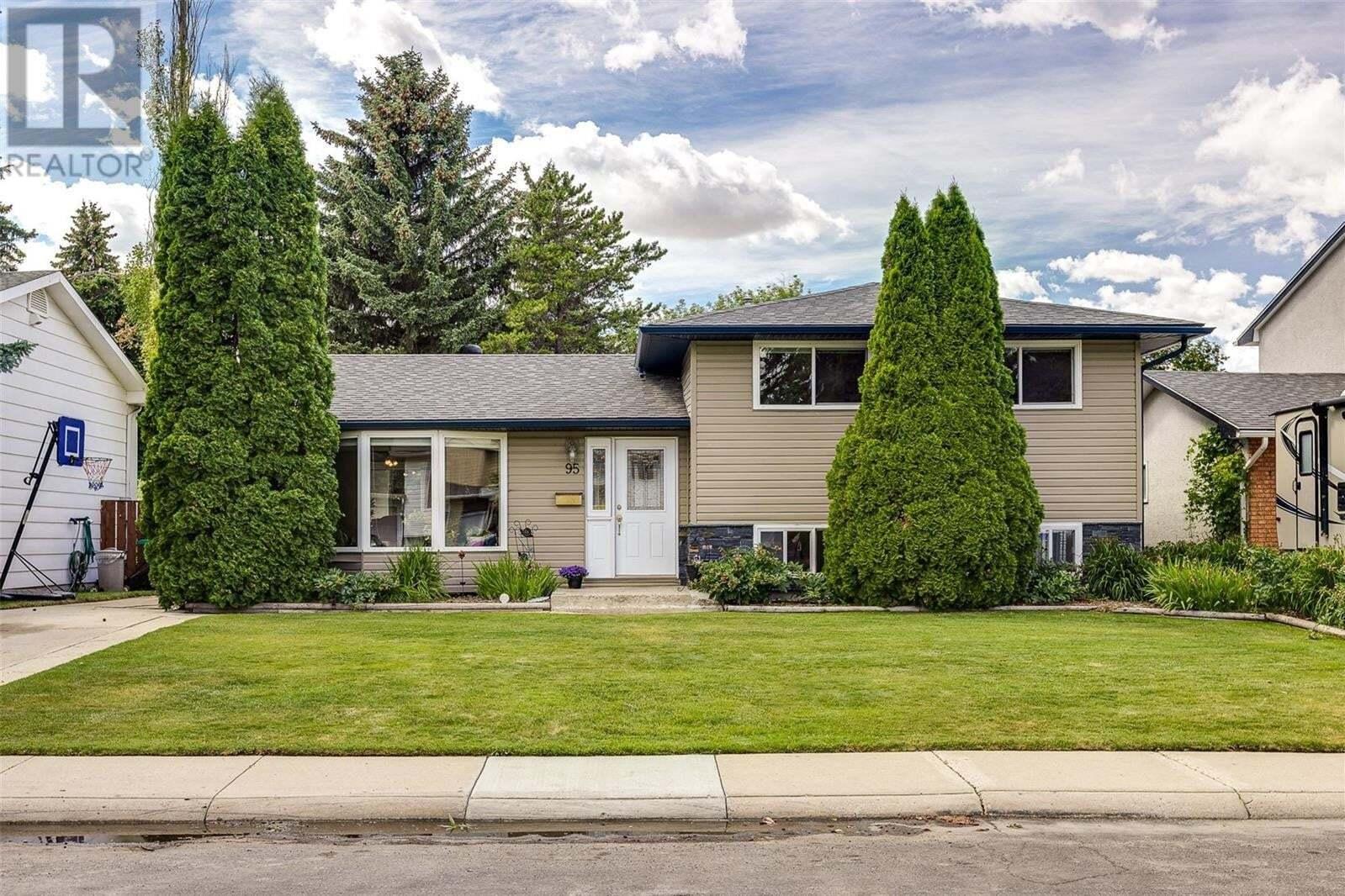 House for sale at 95 Riel Cres Saskatoon Saskatchewan - MLS: SK821158