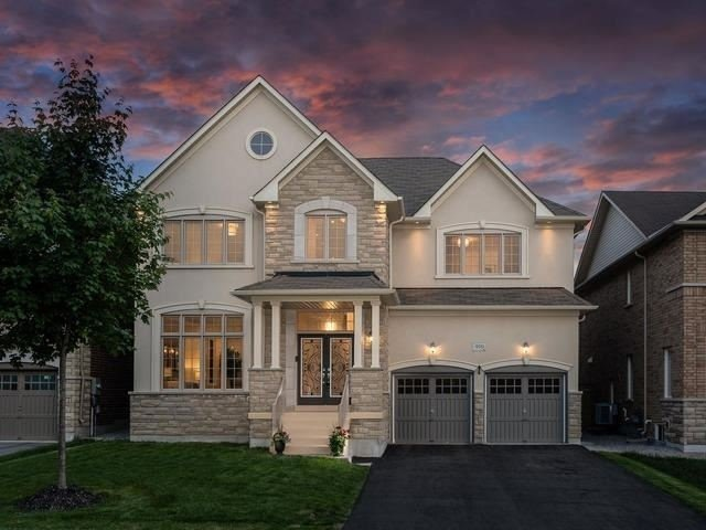 For Sale: 950 Goring Circle, Newmarket, ON | 4 Bed, 5 Bath House for $1,375,000. See 20 photos!