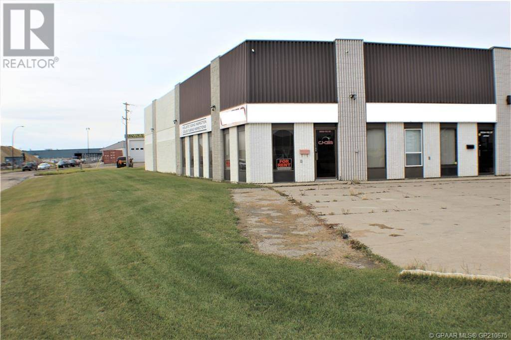 Commercial property for lease at 9502 110 St Grande Prairie Alberta - MLS: GP210675