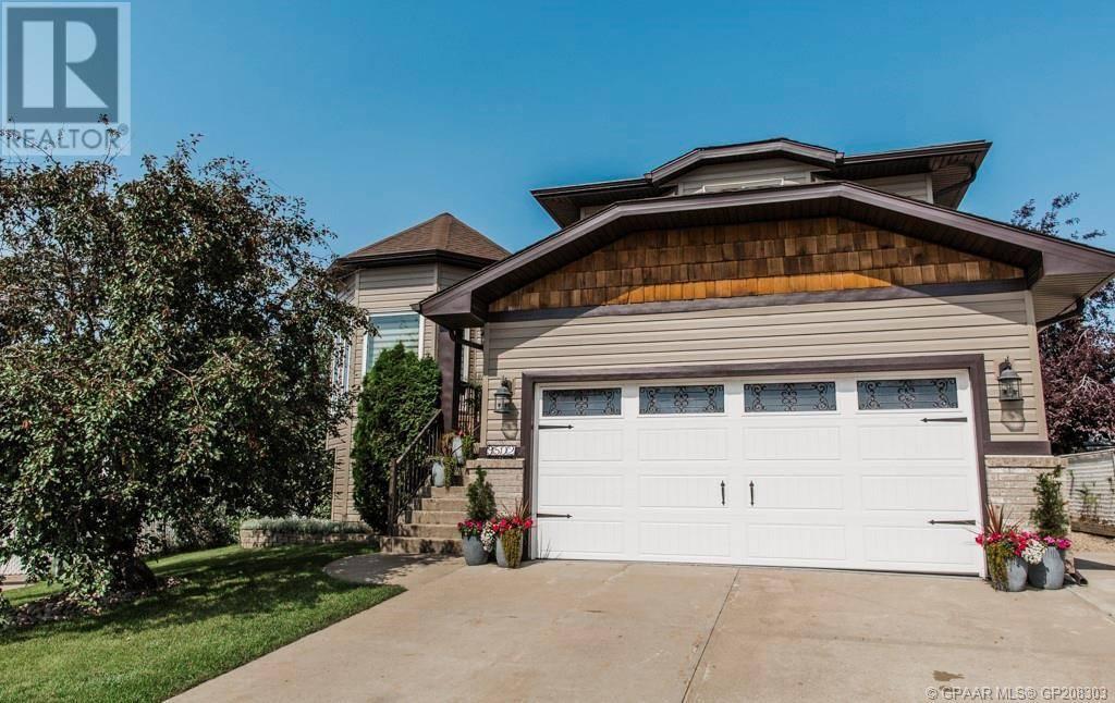 House for sale at 9502 114 Avenue Court Grande Prairie Alberta - MLS: GP208303